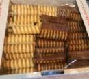 Foto Rulouri cu Fructe glazurate cu Ciocolata Alba si Neagra 1.5Kg